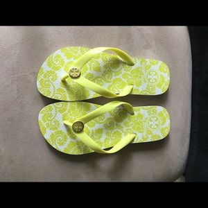 🆕🆕 AUTHENTIC TORY BURCH 🍋 CHARTREUSE FLIP FLOP